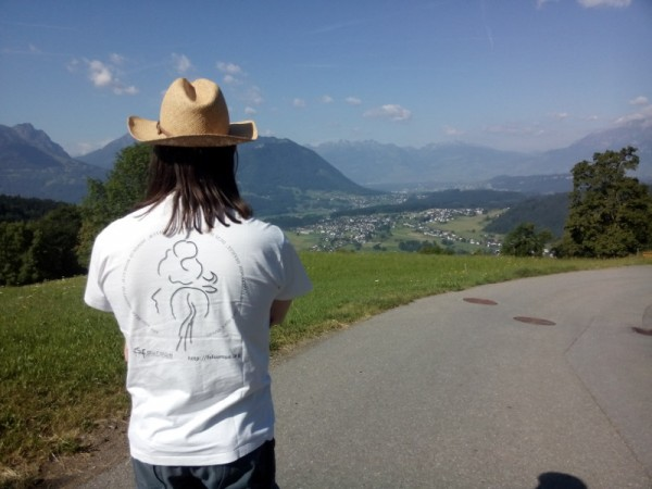Reinhard with the first FSFE t-shirt in the Austrian mountains